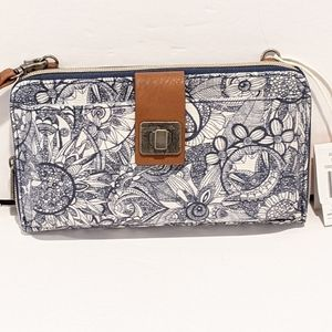 NWT Sakroots large smartphone wallet crossbody